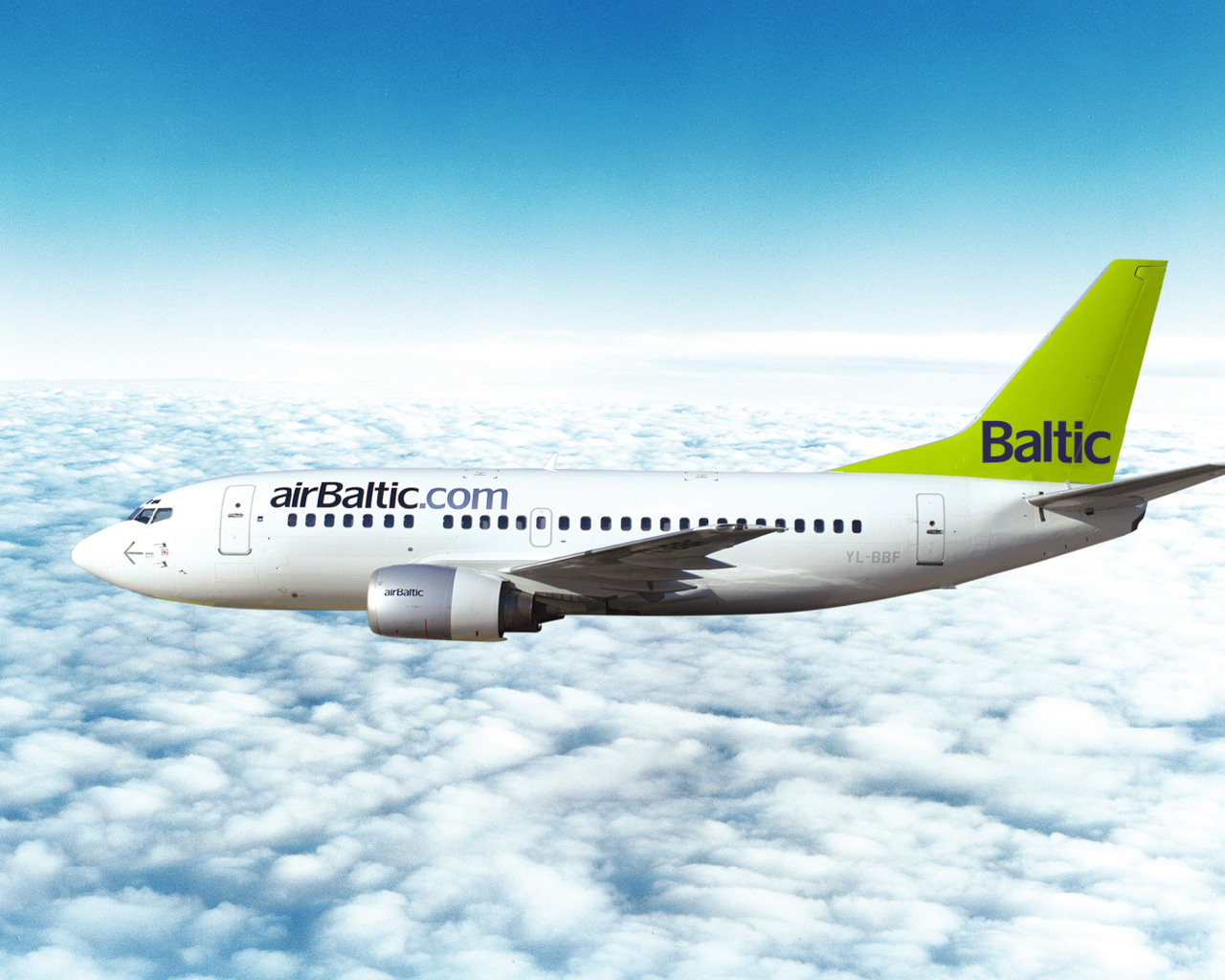 Wallpapers with airBaltic airplanes