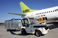 airBaltic cargo loading